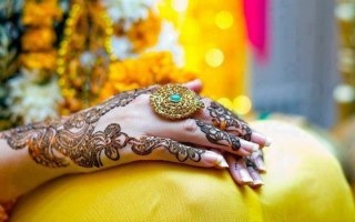 Mehndi designs on Bridal hands