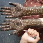 How Mehndi Designs apply on Hands