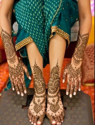 Mehndi Designs on Hands and Foot